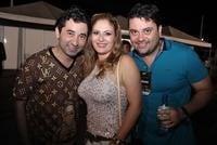 Victor & Leo, Claudia Leitte e Sacode #1