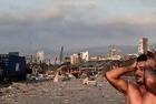 Explosão atinge Beirute e gera caos  - Imagem 7