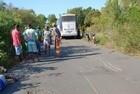 Homem morre e outro fica ferido em colisão de moto e ônibus no Piauí - Imagem 1