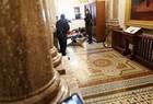 Apoiadores de Donald Trump invadem Congresso dos EUA - Imagem 2