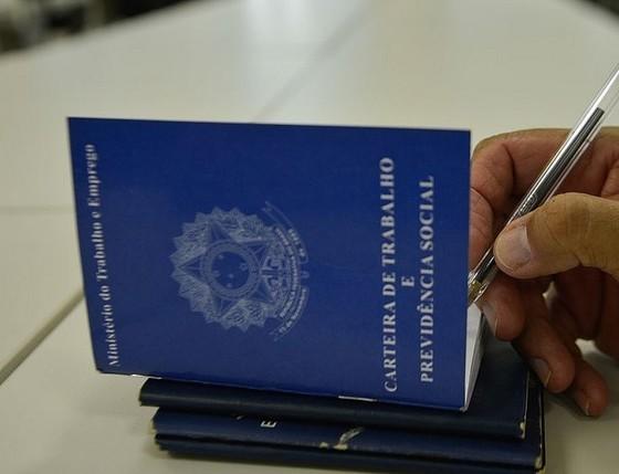 Governo vai prorrogar novamente corte de jornada e salário no país