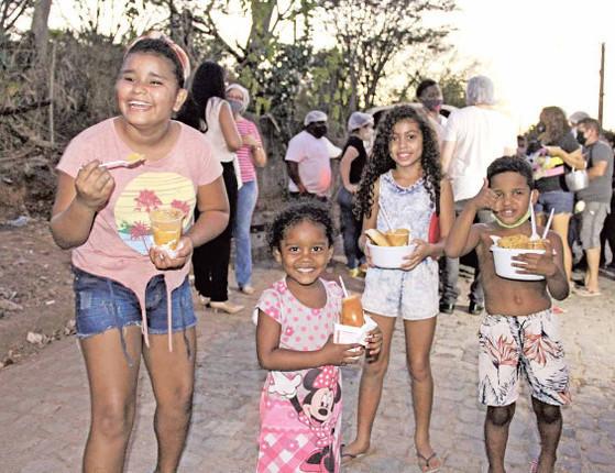 Sopa solidária: Projeto mata fome de quem mais precisa em Teresina