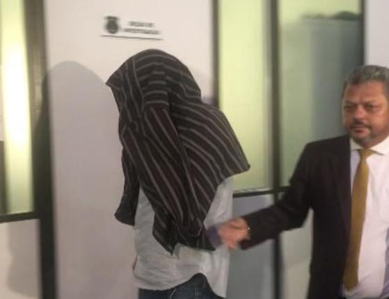 Veterinário é acusado de estuprar estagiária de 17 anos em clínica
