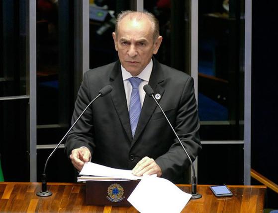 Senador Marcelo Castro tem seu celular clonado e polícia investiga