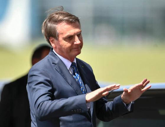 Ordens absurdas não se cumprem, diz Bolsonaro sobre ação da PF