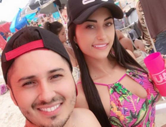 Blogueira e namorado são mortos com 79 tiros dentro de residência