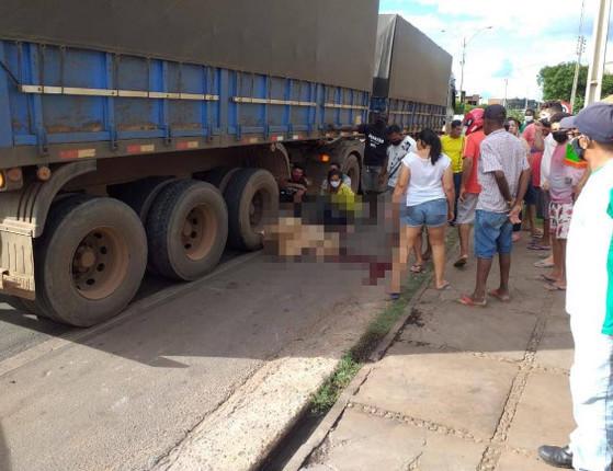 Motociclista morre esmagado por carreta em acidente no Sul do Piauí