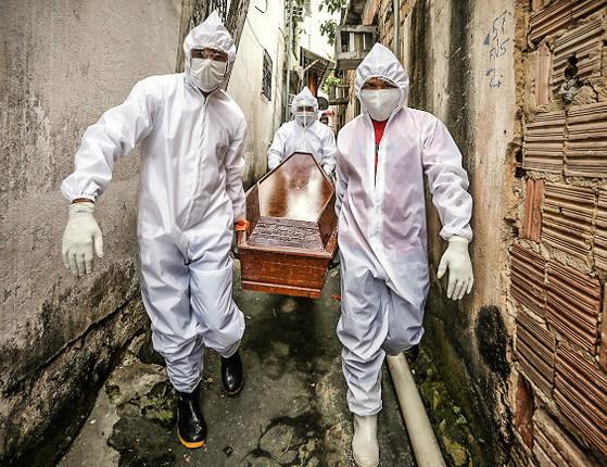 Brasil tem 1.290 mortes em 24h e casos passam de 1.5 mi, diz Saúde