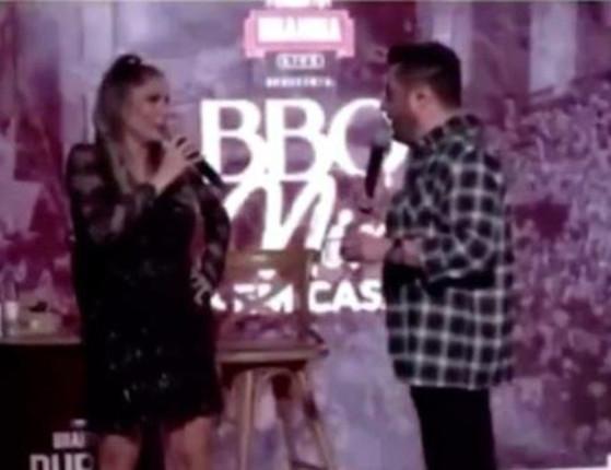 Grávida, Flávia Viana é assediada por Bruno durante live; veja vídeos