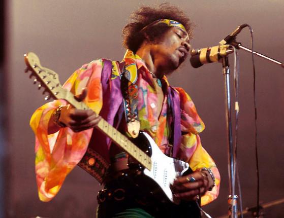 Jimi Hendrix junta-se ao clube dos artistas mortos aos 27 anos; lista