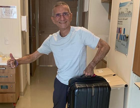 Covid-19: Médico José Cerqueira recebe alta de hospital em SP