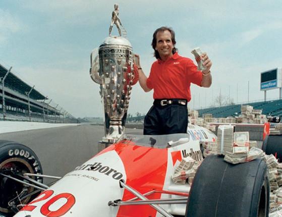 Fittipaldi, 1º não norte-americano a vencer Indy,vive atolado em dívida
