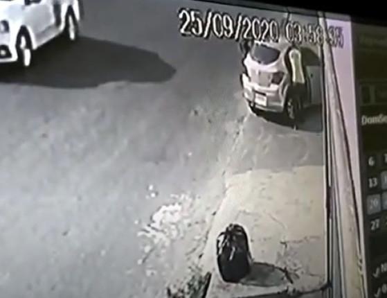 Vídeo mostra momento em que dupla é morta em carro; assista!