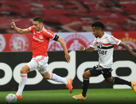 Internacional segura empate com o São Paulo com 1 jogador a menos