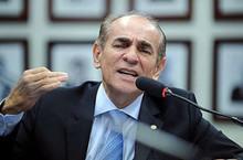 Marcelo Castro denuncia golpe no WhatsApp usando o seu nome