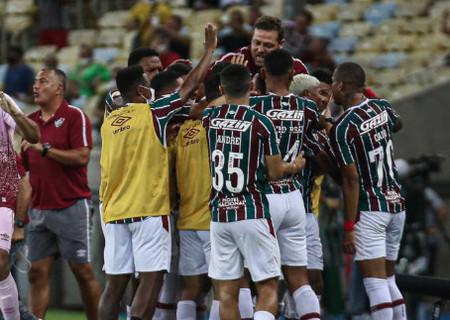Fluminense vence o Flamengo por 3 a 1 no Maracanã e cola no G6
