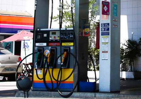 Preços de gasolina e diesel sobem hoje nas refinarias da Petrobras