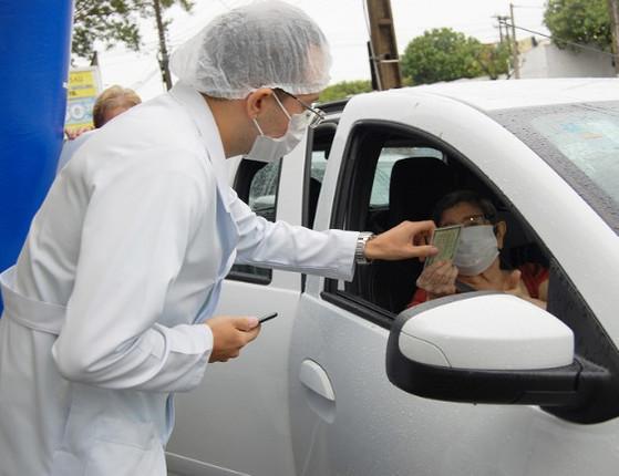 Covid-19: FMS prorroga  horário de vacinação drive-thru em Teresina