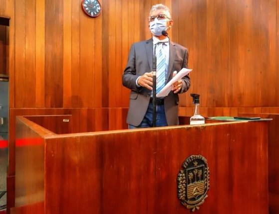Martins pede apoio para votação do piso nacional dos enfermeiros