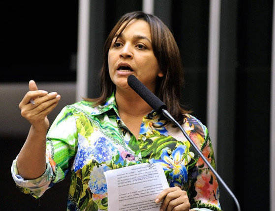 Agora: Jogo do Poder entrevistará a senadora Eliziane Gama hoje