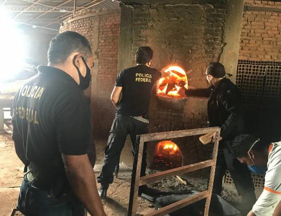 Polícia Federal incinera mais de 300 kg drogas em Teresina; fotos