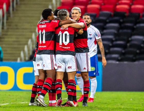 Flamengo vence Fortaleza por 2 a 1 na despedida de Gerson; gols!