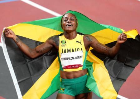 Jamaicana conquista ouro e título de mulher mais rápida do mundo