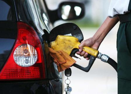 Gasolina comum aumenta para R$ 6,999 o litro no Piauí, anuncia ANP
