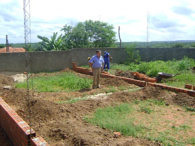 Prefeitura constrói mais duas salas de aulas na Unidade Escolar João Calado