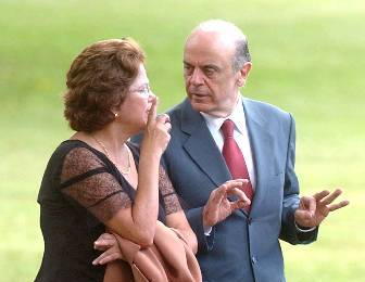 Serra continua subindo e pesquisa mostra empate técnico entre Dilma e Serra.