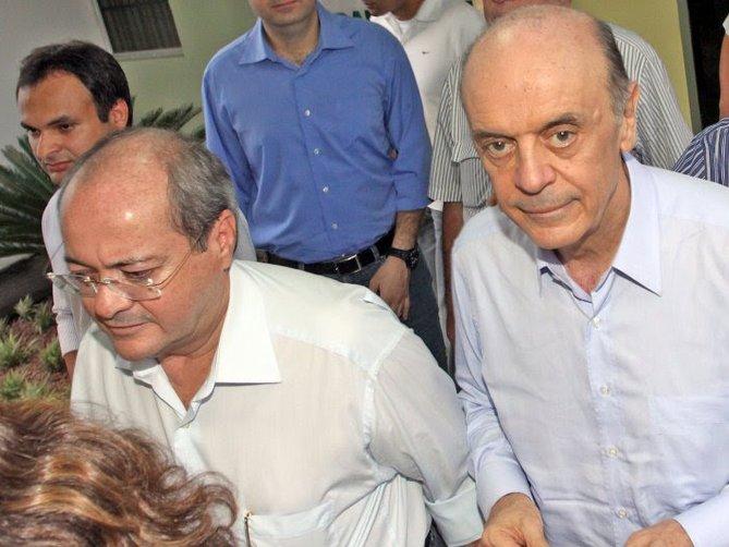 O  prefeito de Boa Hora adere a Sílvio Mendes