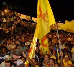 Prefeito Alcântara comemora com a população vitória das eleições 2010