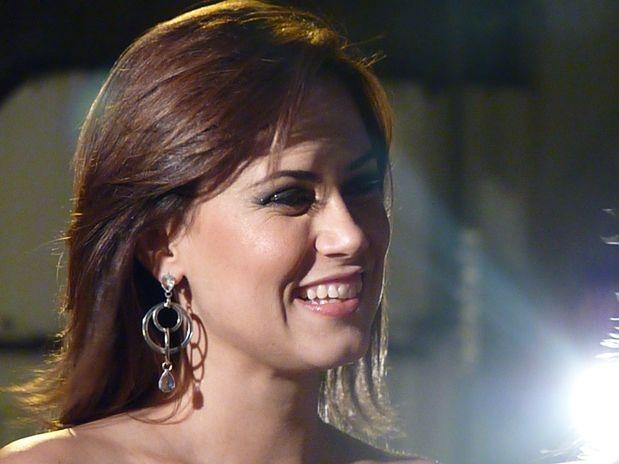 Durante lançamento do polêmico ensaio, ex-Chiquitita diz ter namorado e nega affair com Angélica - Imagem 3