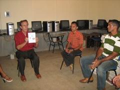 Prof. Jonatas Barros visita Redenção e promete DVDTECA para subsídio ao ensino da cidade.