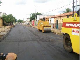 Rua Santos Dumont recebe asfalto novo