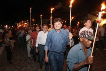 Governador participa da Procissão do Fogaréu em Oeiras