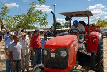 Oeiras recebe obras de pavimentação e benefícios para a educação