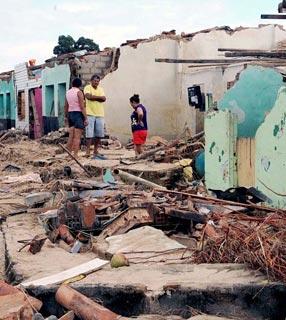 Sobe para 57 o número de mortes causadas por enchentes no Nordeste