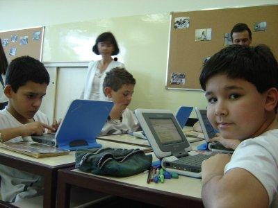 Estudantes do Armando Burlamaqui receberão laptops do programa UCA