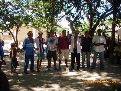 Festa comunitária: churrasco reune amigos na casa do Everardo no Juremal em Capitão de Campos