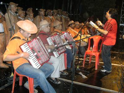 Programação Cultural: Coral dos Vaqueiros, Glauber e Dimas encantaram o público.