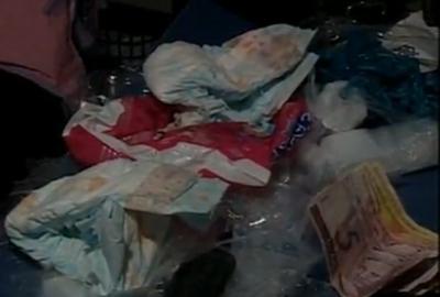 Casal é preso com droga escondida em fraldas descartáveis
