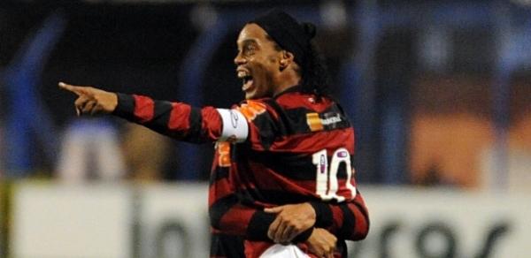 Com Ronaldinho, Flamengo deverá ter força total contra o Palmeiras, na quarta-feira