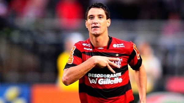 Agente cobra ação do Fla para manter Thiago Neves:
