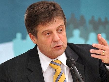 Ministro da Agricultura será operado de 2° tumor no cérebro