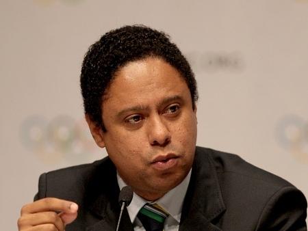 Orlando Silva repudia e qualifica denúncias da