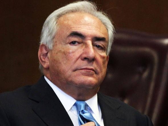 Strauss-Kahn quer depor e acabar com