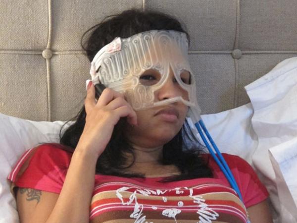 Ex-BBB Ariadna faz cirurgia para deixar rosto mais feminino