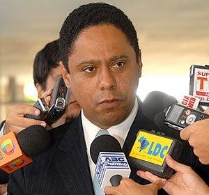 Polícia Federal irá apurar denúncias contra Orlando Silva e governador