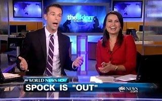 Apresentador assume ser gay ao ler na TV notícia sobre a homossexualidade de Zachary Quinto